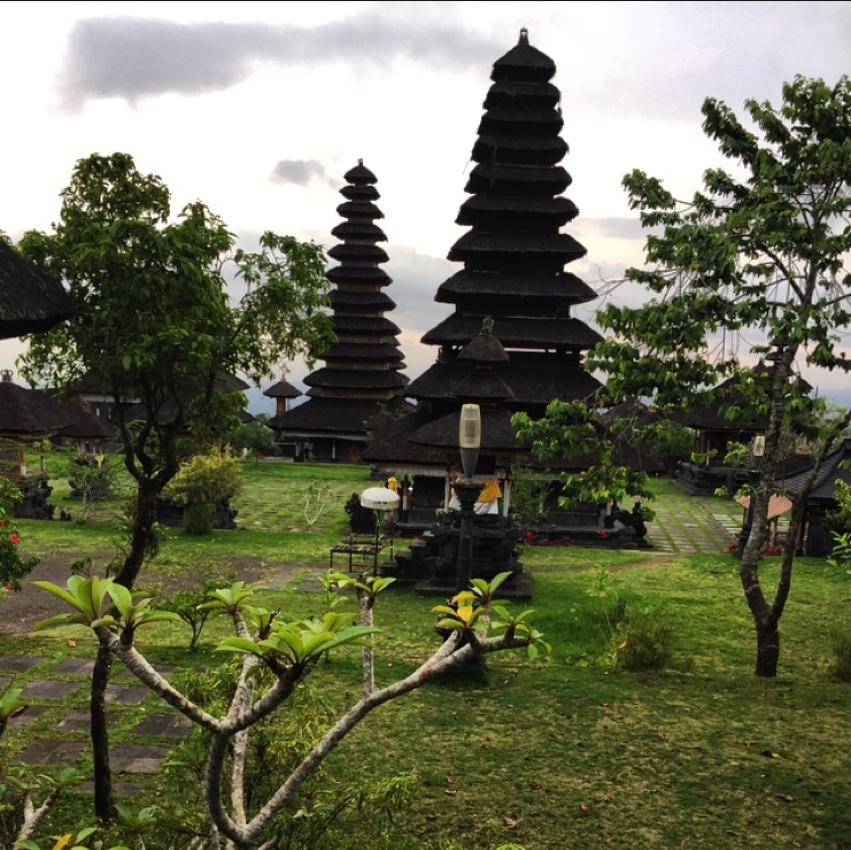 Laura Cosoi  Bali-24