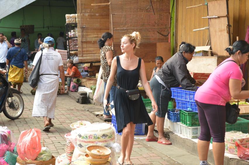 Laura Cosoi  Bali Piata-17