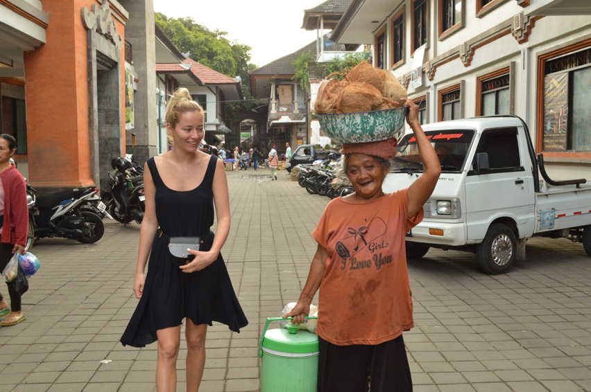 Laura Cosoi  Bali Piata-20