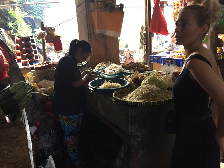 Laura Cosoi  Bali Piata-53