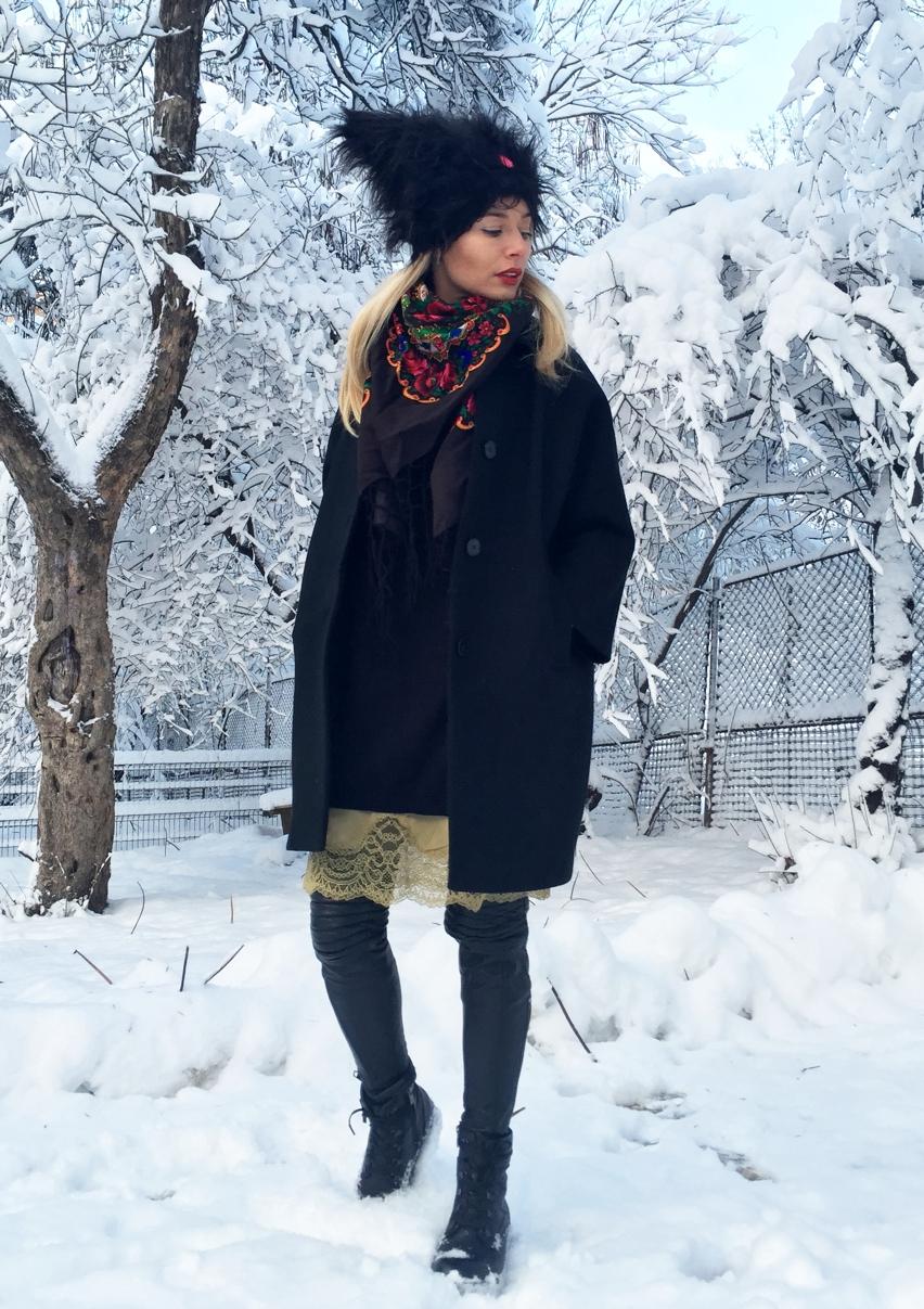 Laura Cosoi  fashion-04