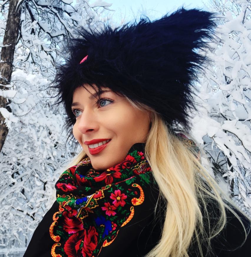 Laura Cosoi  fashion-14