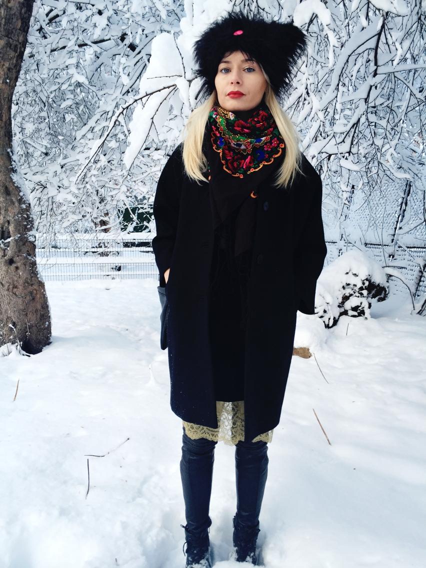 Laura Cosoi  fashion-18
