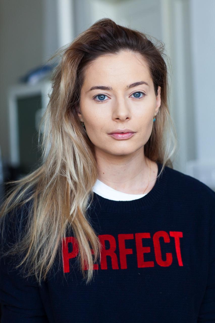 Laura Cosoi Make up tutorial-03