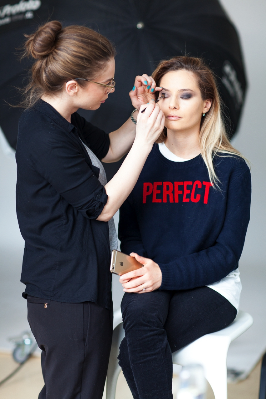 Laura Cosoi Make up tutorial-10