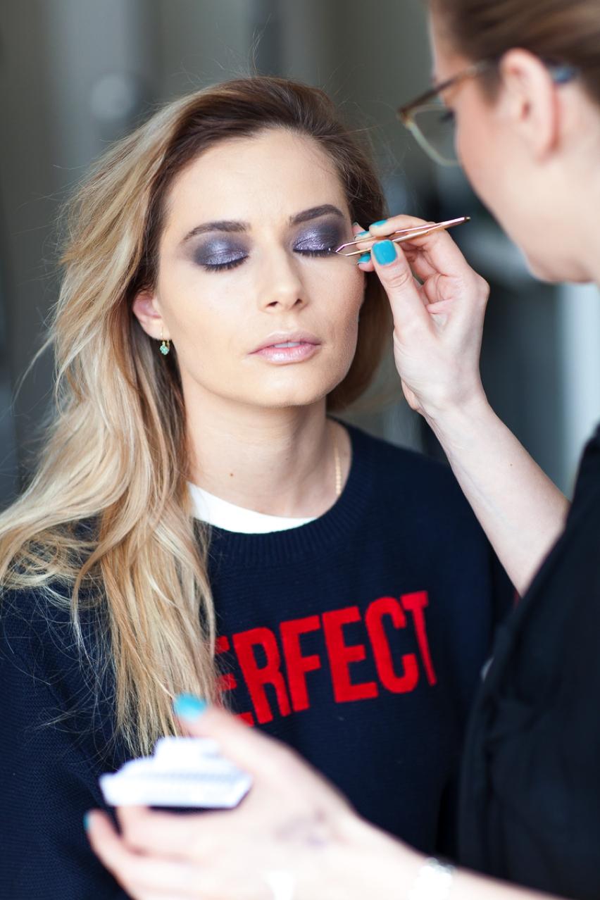 Laura Cosoi Make up tutorial-15