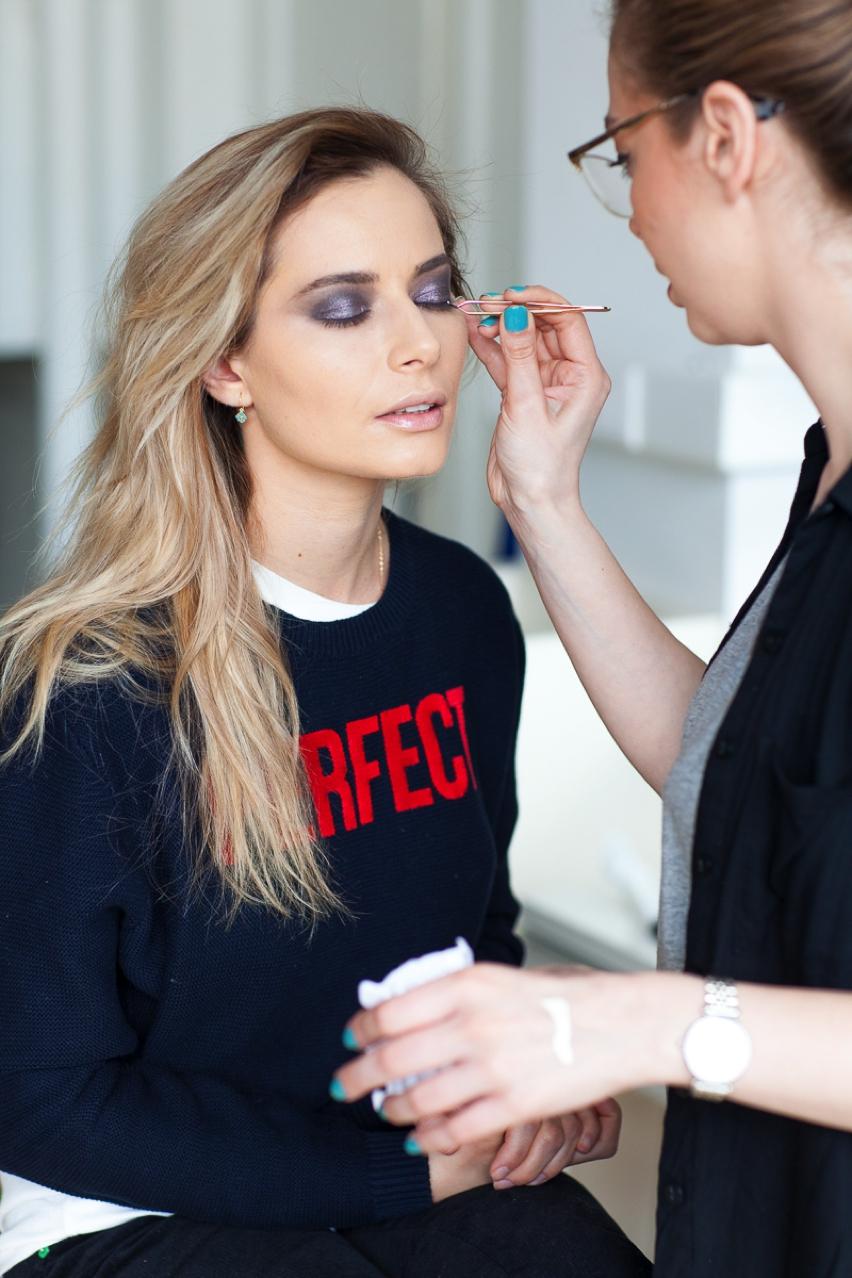 Laura Cosoi Make up tutorial-16