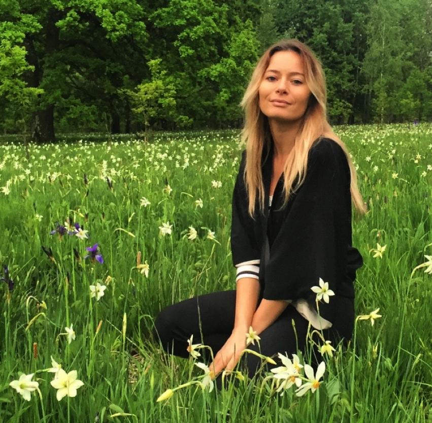 Laura Cosoi Poiana Narciselor-25