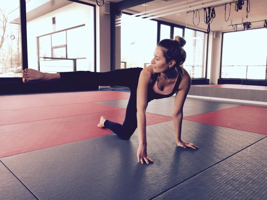 Laura Cosoi sport-07