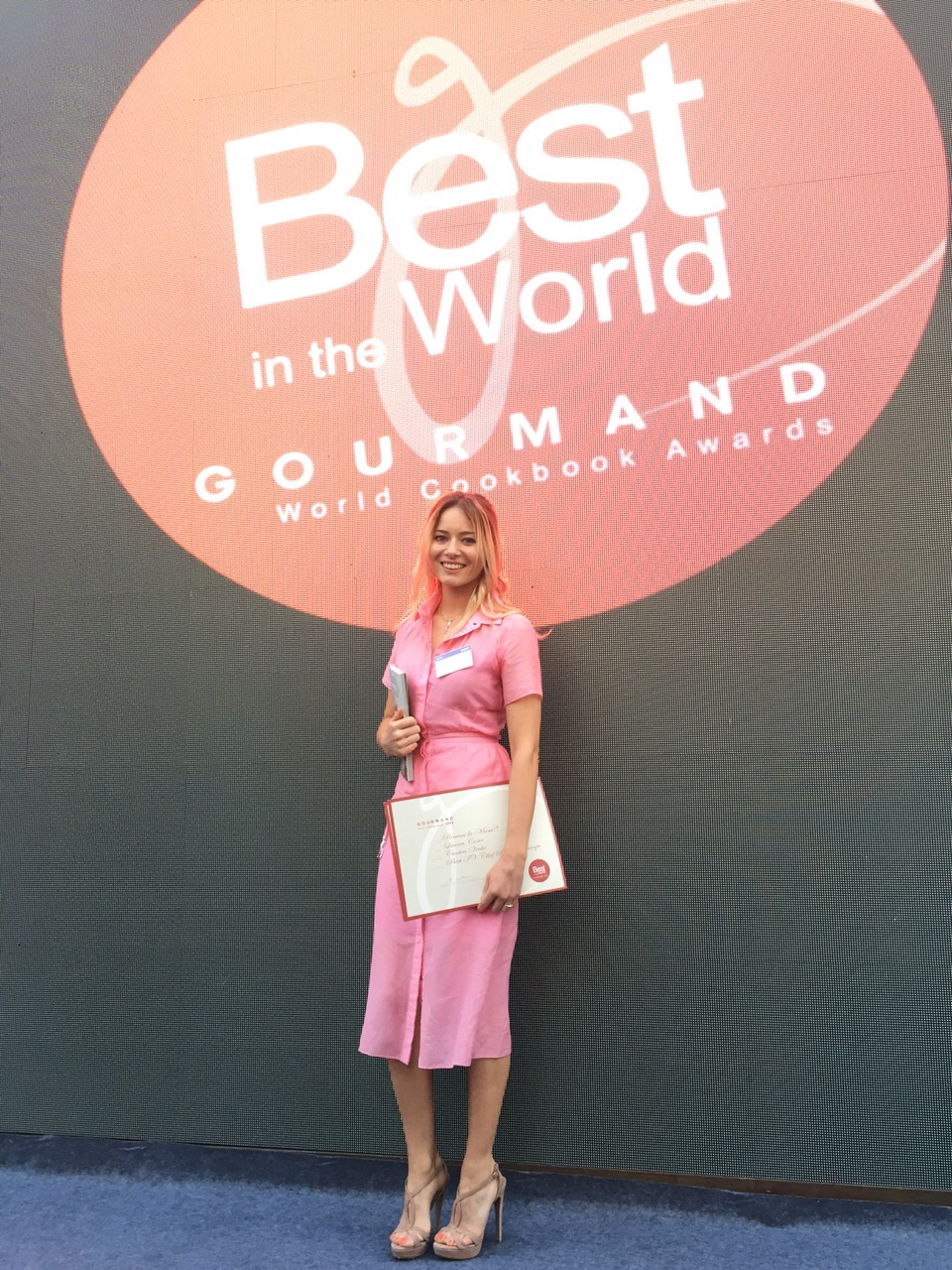 Laura Cosoi - best in the world 06