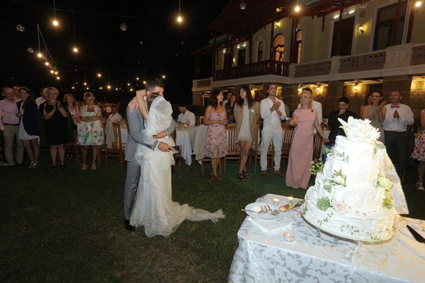 Nunta Iasi Tortul Laura Cosoi