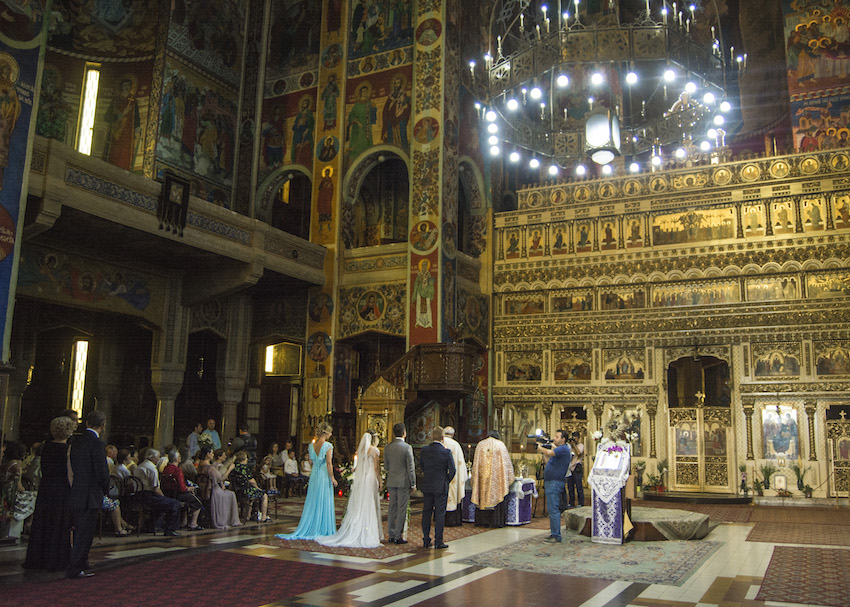 Nunta: Tg. Mures (Slujba de multumire, locatia si florile)