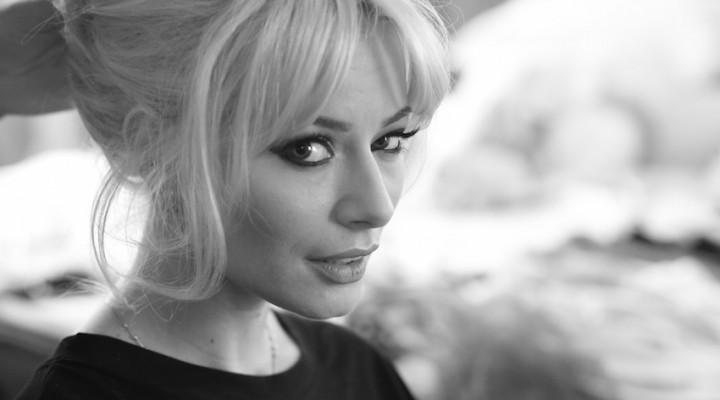 Laura Cosoi / Brigitte Bardot