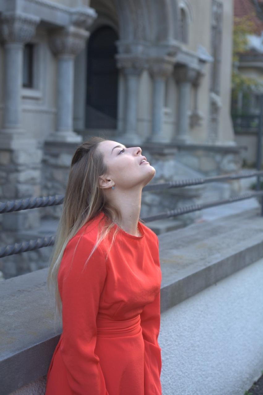 Laura Cosoi -04
