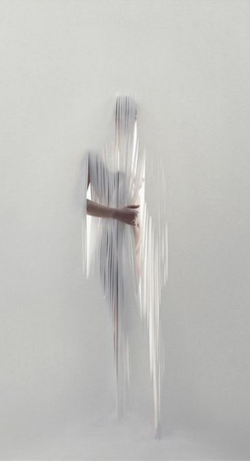 Laura Cosoi -12