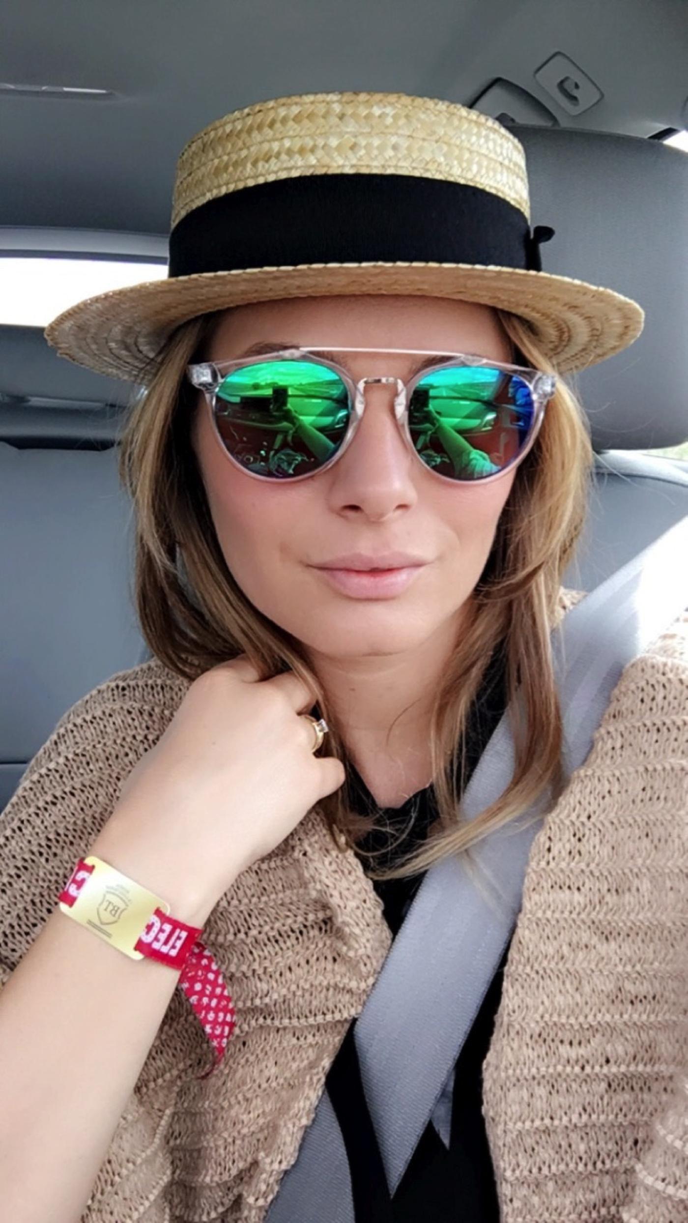 Laura Cosoi 15