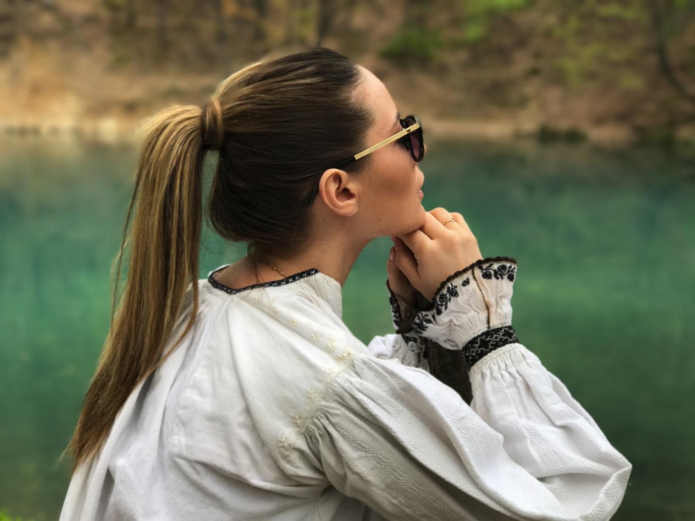 Laura Cosoi 02