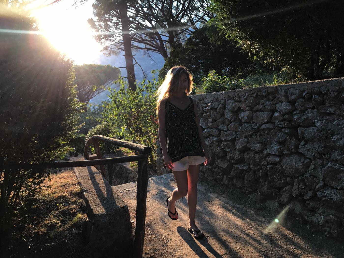 Laura Cosoi 057