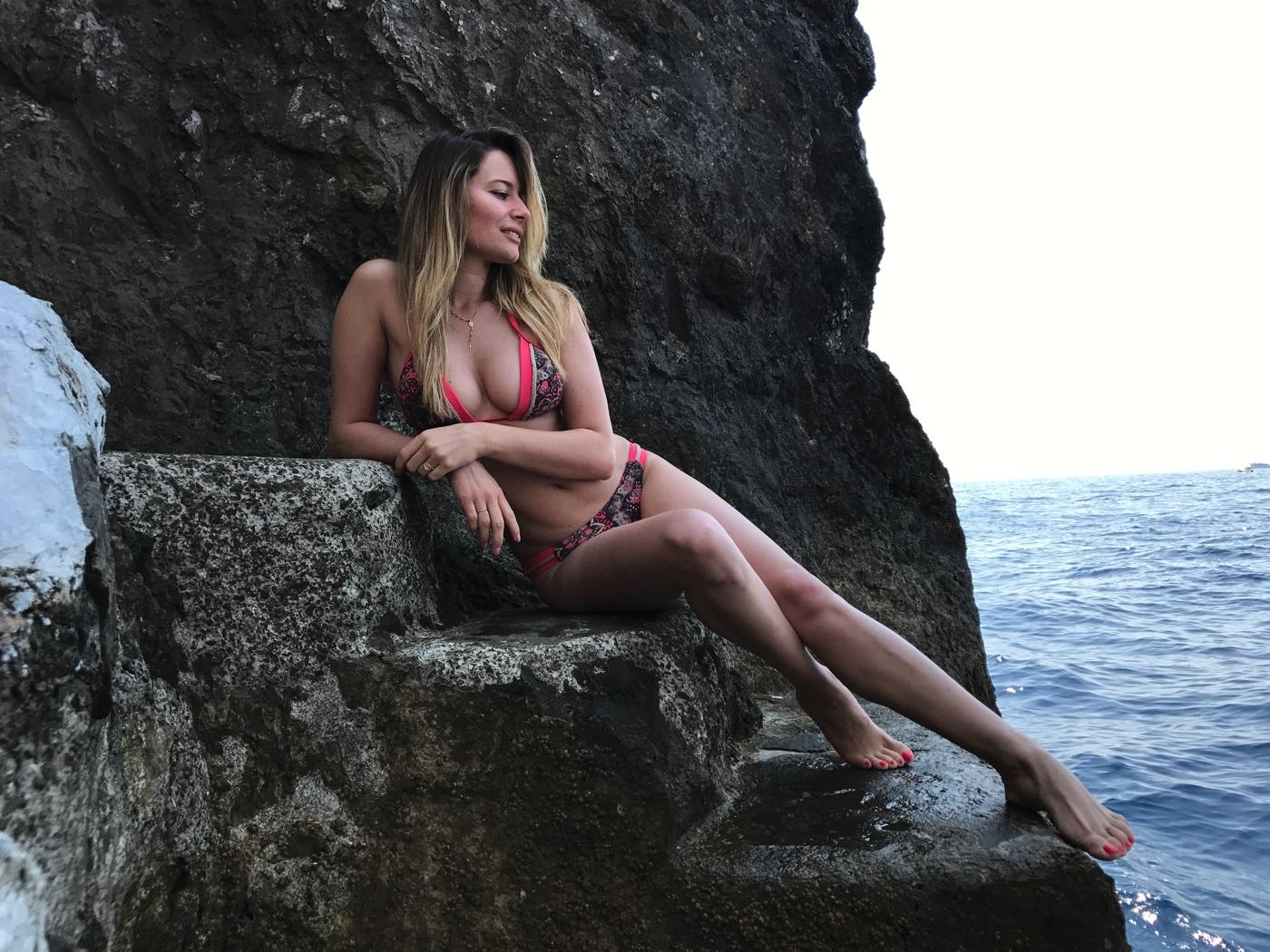 Laura Cosoi 066