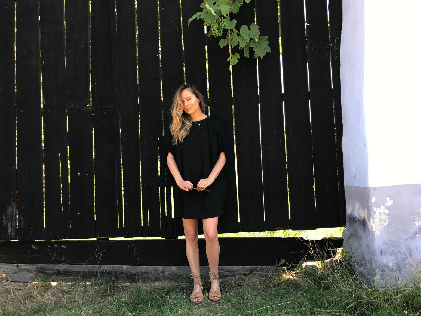 Laura Cosoi 34