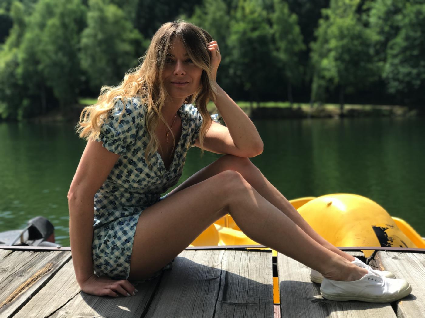Laura Cosoi 06
