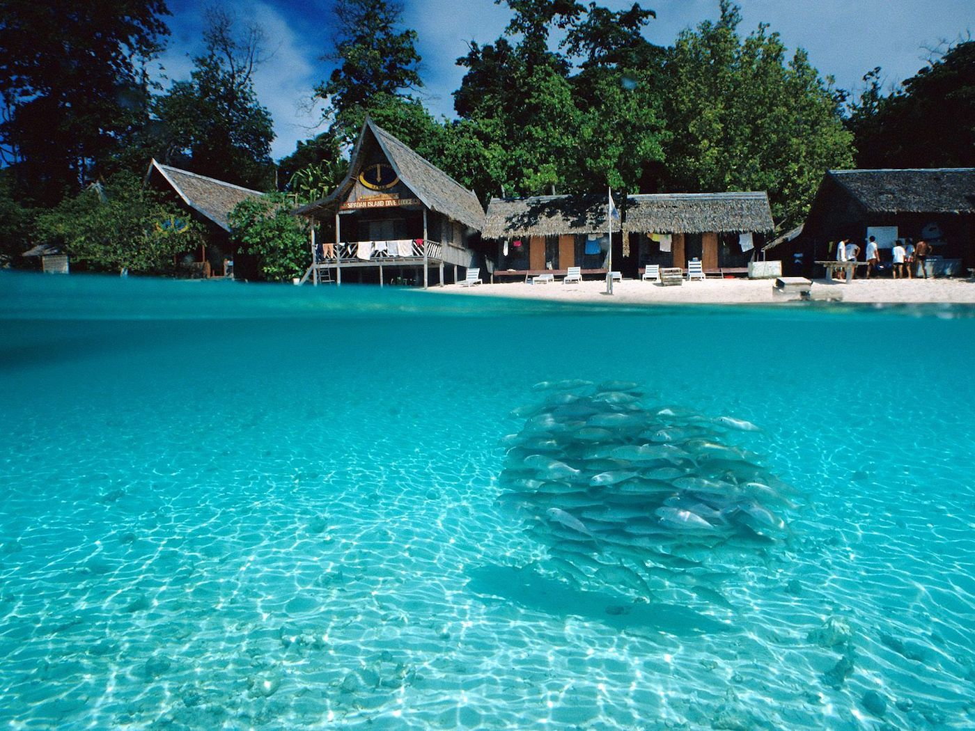 SplitView_of_Sipadan_Island_Borneo
