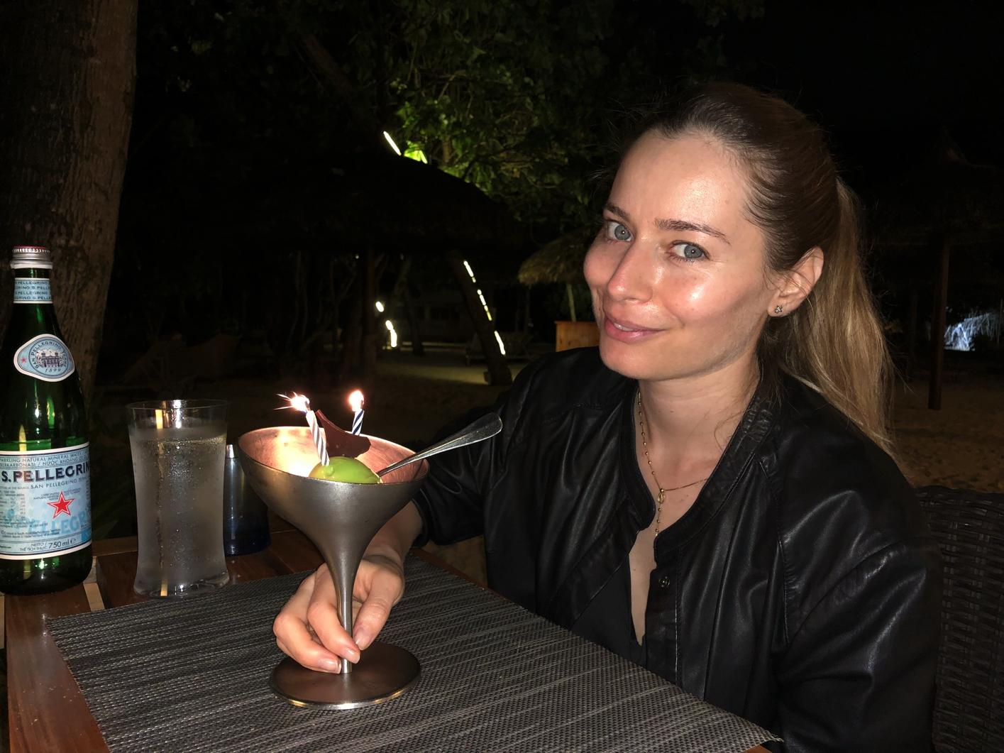 Laura Cosoi 37