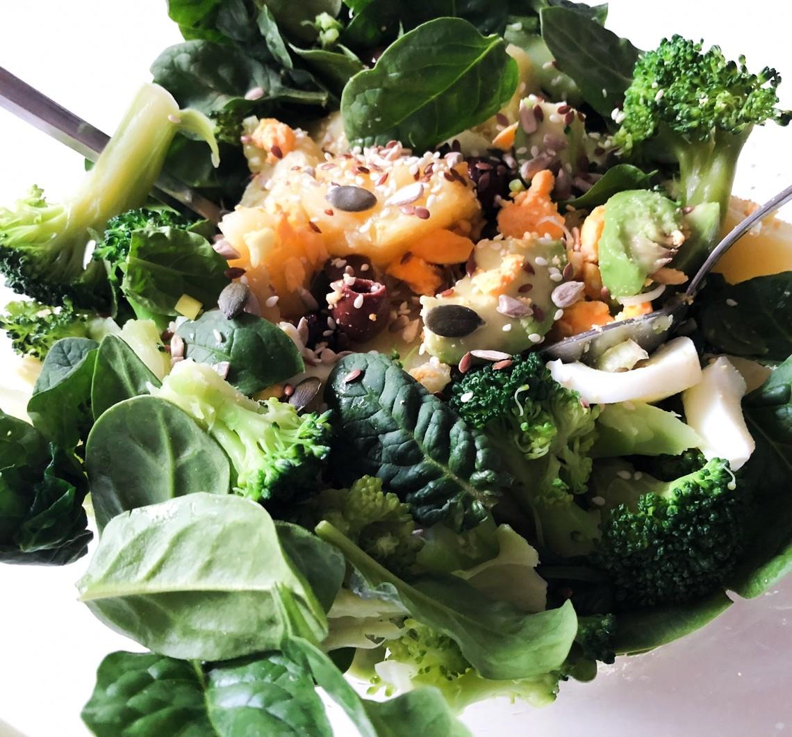 Vertical Taste: Salata orientala cu avocado si apio