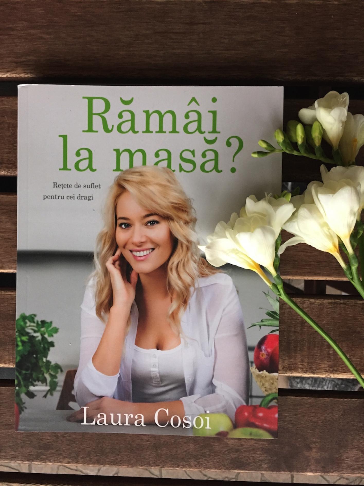 Laura Cosoi 03