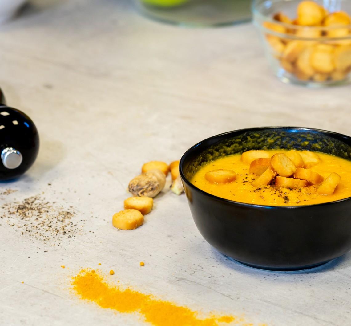 SarcinaZEN by AptaNUTRICIA: Supa crema de morcovi cu turmeric