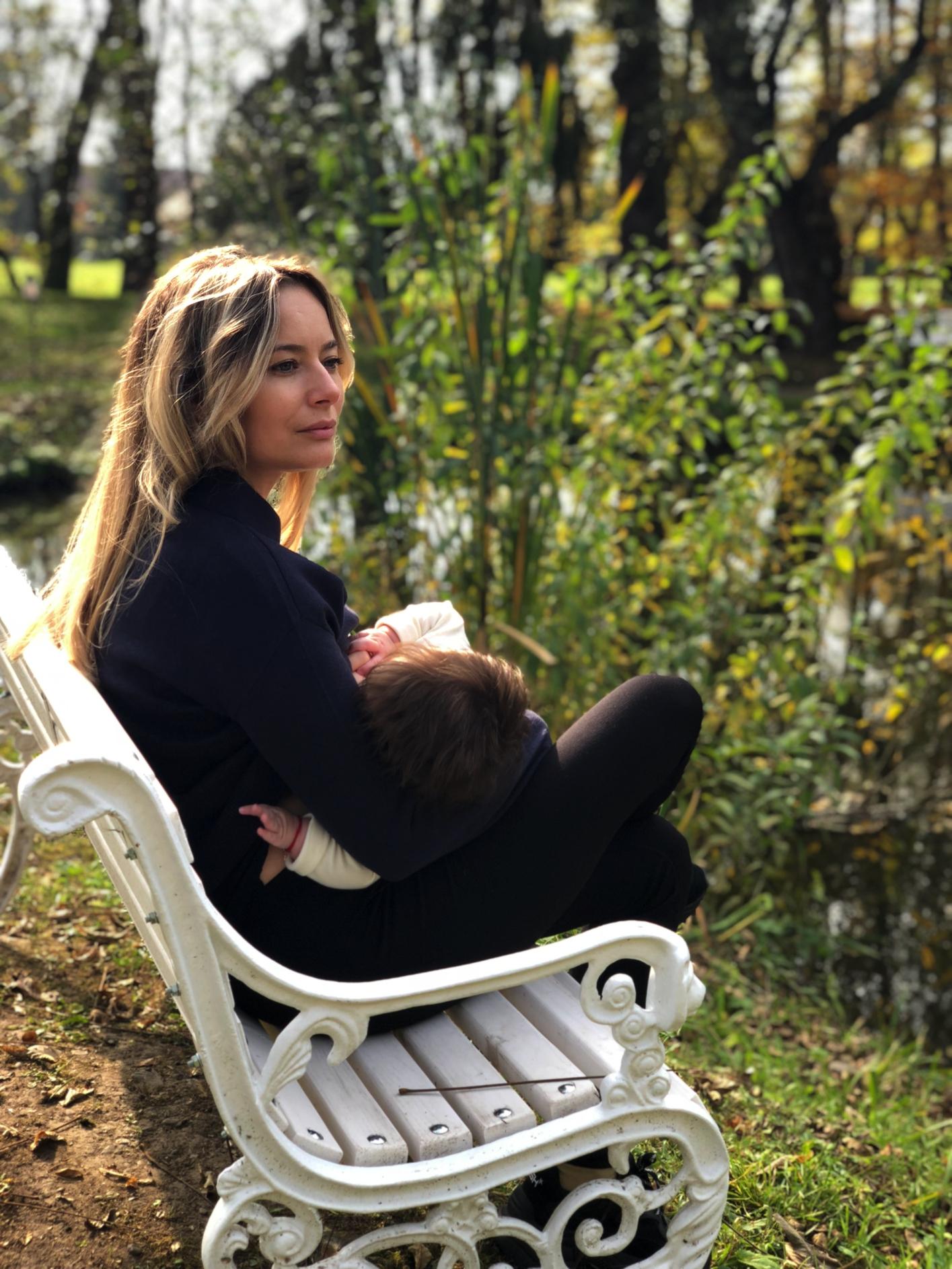 Laura Cosoi 09